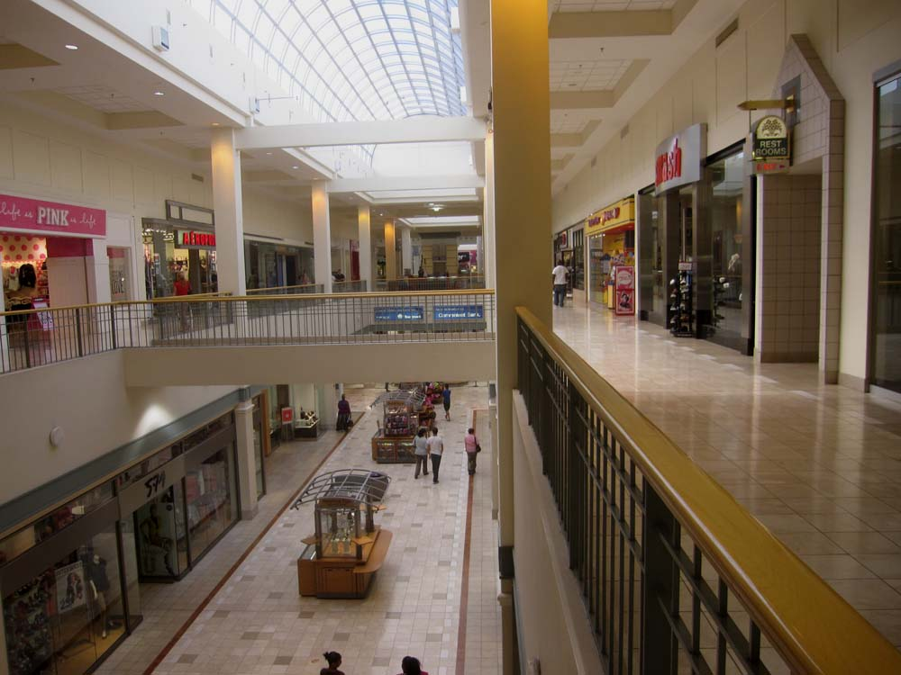 Northpark Mall is located in Ridgeland, Mississippi and offers 88 stores - Scroll down for Northpark Mall shopping information: store list (directory), locations, mall hours, contact and address. Address and locations: E County Line Rd, Ridgeland, Mississippi - MS - /5(3).