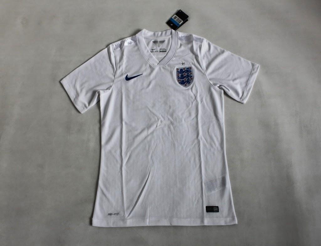 Kostum Bola Terbaru Inggris Putih Bergaris Special Piala Dunia 2014