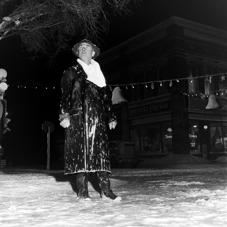 Let It Snow Behind The Scenes Photos From The Set Of It 39 S A Wonderful Life In 1946 Vintage