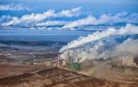Canadian oil sands installations in Alberta. (Credit: Kris Krug/flickr) Click to Enlarge.