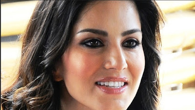 Sunny Leone Expresses his Love on SRK and Salman