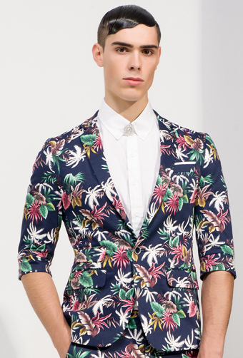 http://www.perfectmensblazers.com/shop-mens/outlet/men-clothing/blazers-royal-azure-blue-tropical-floral-luxury-spring-mens-blazer-p-647.html