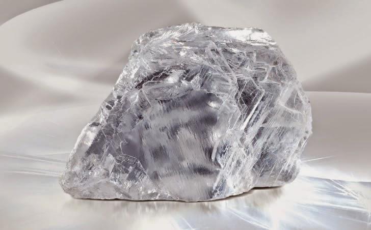 скъпоценен камък диамант