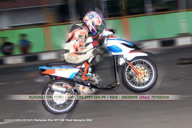Trainee / Latihan : Babak Pamungkas MOTOPRIX 2014 Region II Jawa - Pertamax Plus KYT FDR Pikoli Motoprix 2014 di Sirkuit GOR Satria Purwokerto [ Foto Latihan Balap oleh : Klikmg Fotografer Cilacap & Fotografer Banjarnegara ]