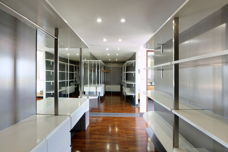 Walk in closet in Modern Villa Beyond in Phuket