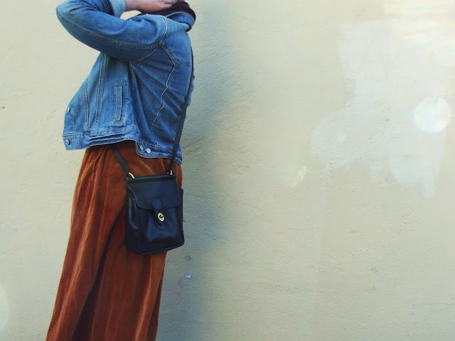 fleur d'elise, blonde, pixie cut, vintage, fall, fashion, seattle, coach purse