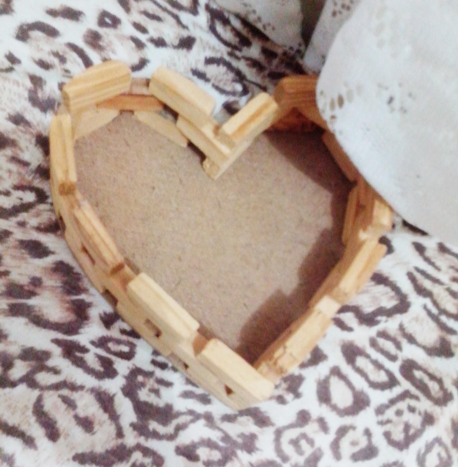 de coração que pode ser usada para várias coisas além de ser linda  #8F613C 1567x1600