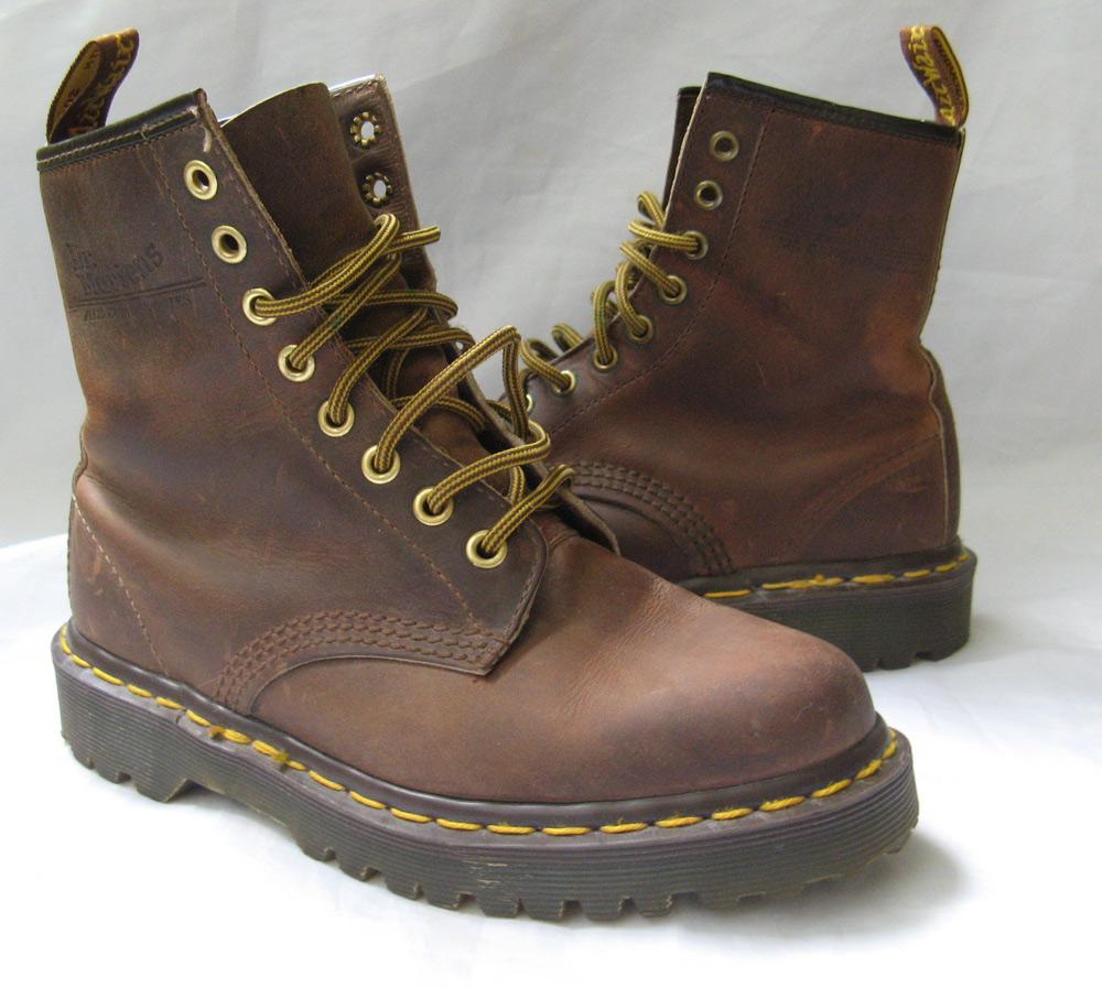 closet doc martens boots 3 us 5