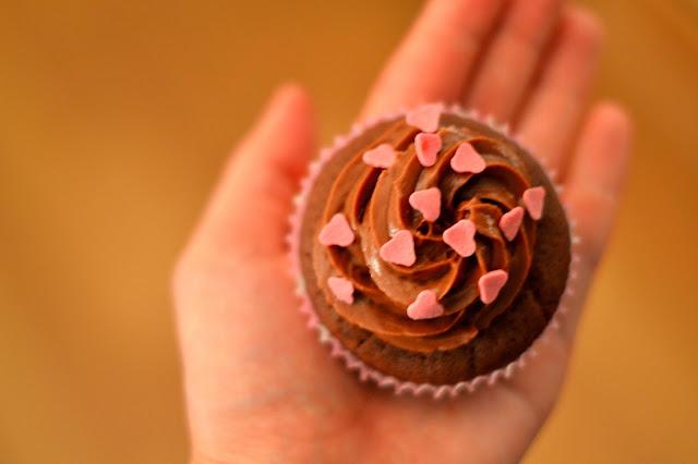 Ystävänpäivän suklaa cupcaket