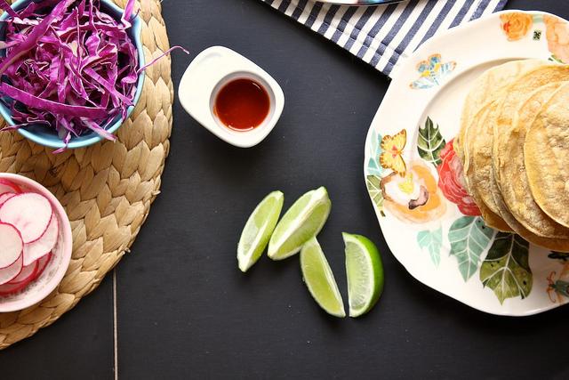 Laucole: kale coconut + white bean tostadas