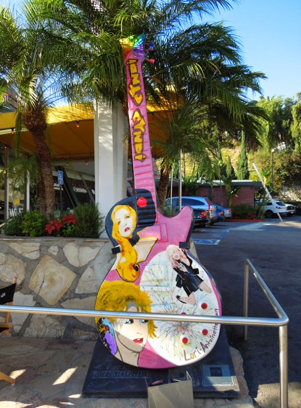 Cyndi Lauper GuitarTown tribute