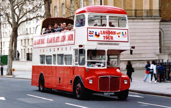 Top 10 things to do in London - Sight see from an open top bus