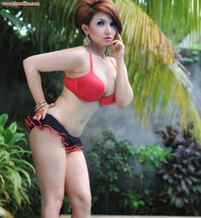 Kumpulan Koleksi Foto - Foto Roro Fitria di Majalah Popular