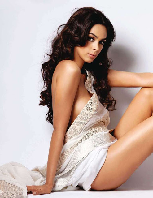 Mallika Sherawat Without Clothes