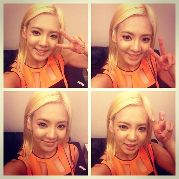 [Picture] 130521 Hyoyeon Instagram Update: 'It was nice meeting you~~ Thai : ) @Thailand'