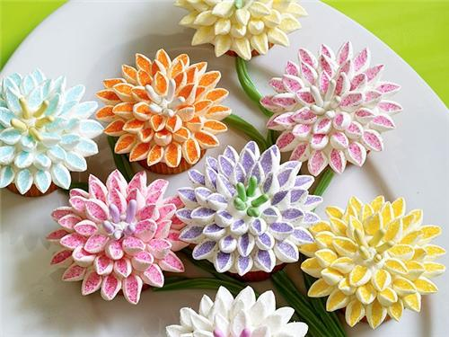 In your back pocket...: Marshmallow Cupcake Flowers