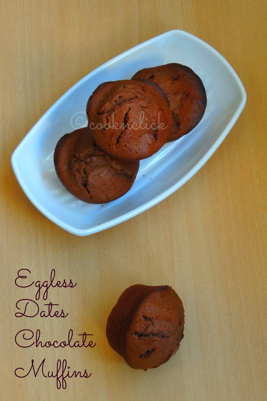 Eggless muffins with chocolate and dates