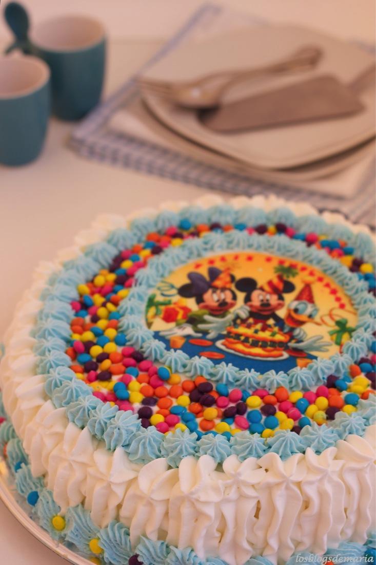 Tarta de San Marcos con decoración infantil