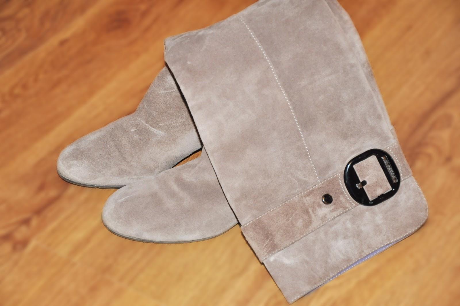 бежевые замшевые сапоги устойчивый каблук