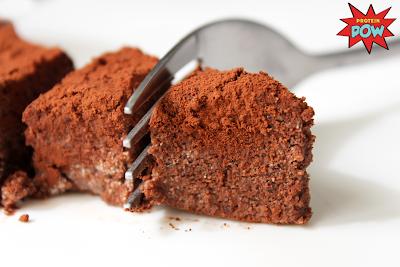 Dunkler Schokoladen Kuchen, Quelle: proteinpow.com