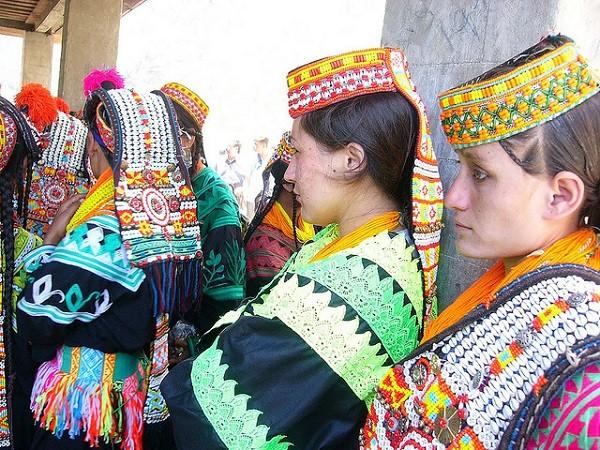 bộ tộc người đẹp như Tây ở châu Á 13