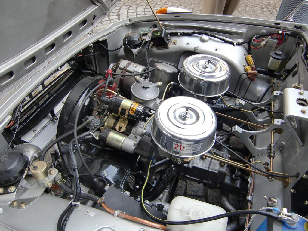 Toyota Sports 800 UP15 stary japoński sportowy samochód klasyk oldschool boxer トヨタ スポーツカー クラシックカー silnik engine