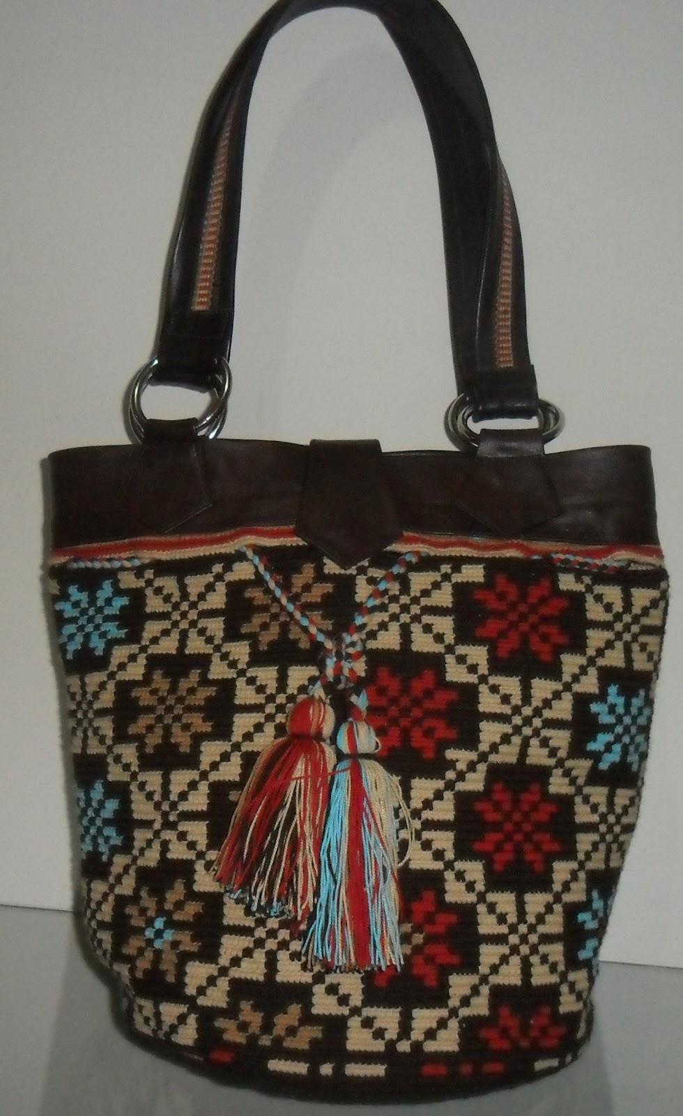 Mochilas Wayuu con Cuero