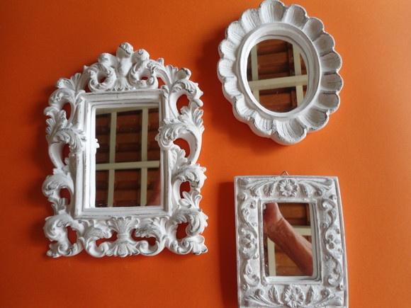 espelhos com molduras em gesso