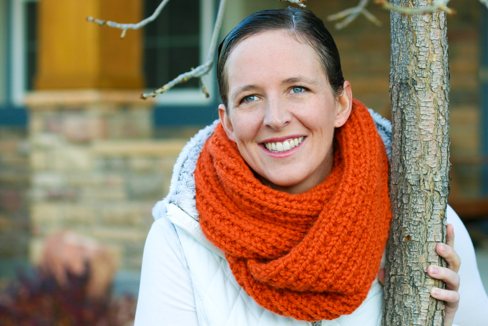Knitting Instructions For Mobius Scarf : A Chunky Moebius Cowl - an easy chunky knit free pattern - Flax & Twine