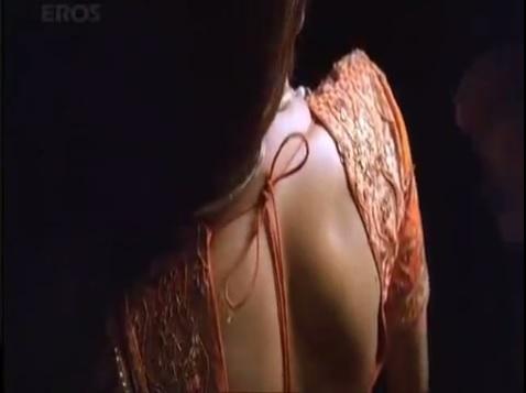 rani mukherjee backless saree
