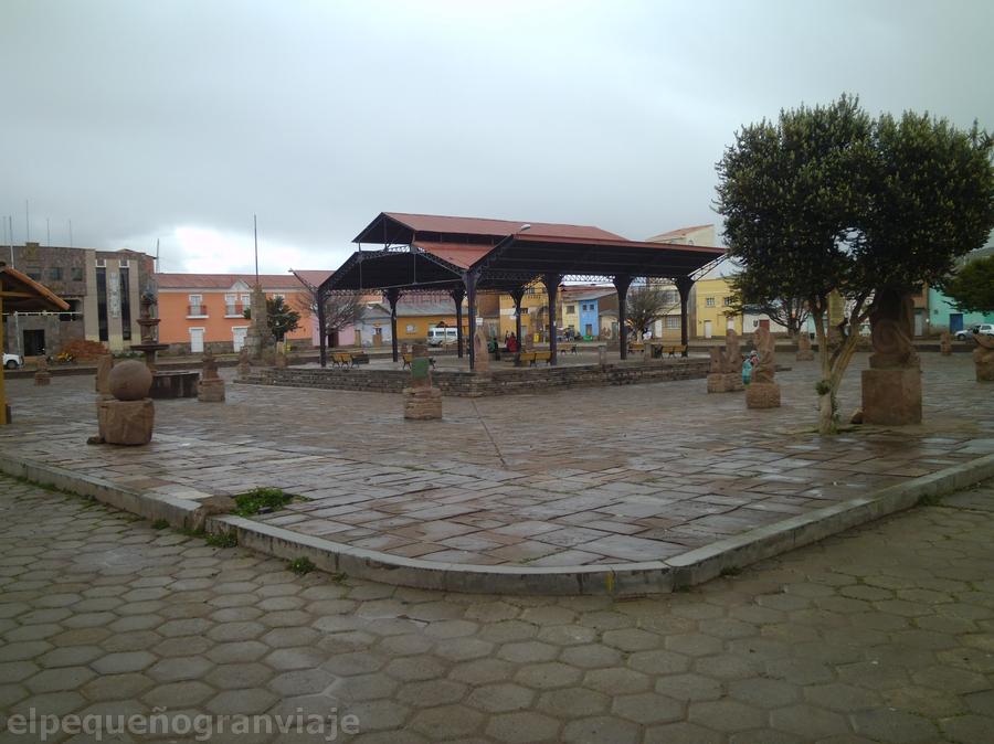 Plaza Tiwanaku