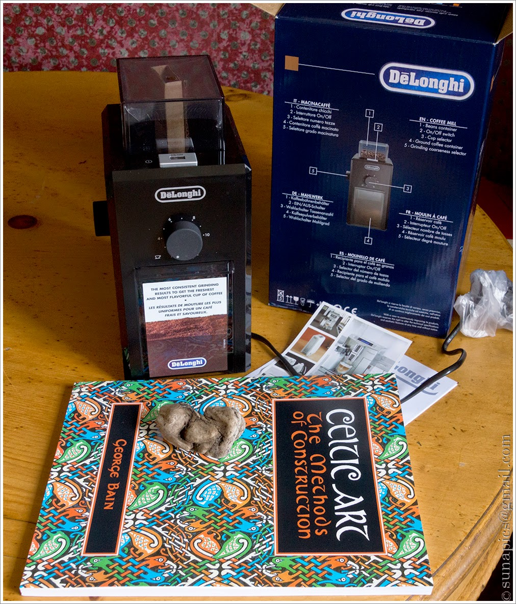 Monday maritime meander diary of a vagabond clutter junkie then home to find my birthday presents from jo have arrived a coffee bean grinder and a replacement for a book i seem to have mislaid sometime over the malvernweather Choice Image
