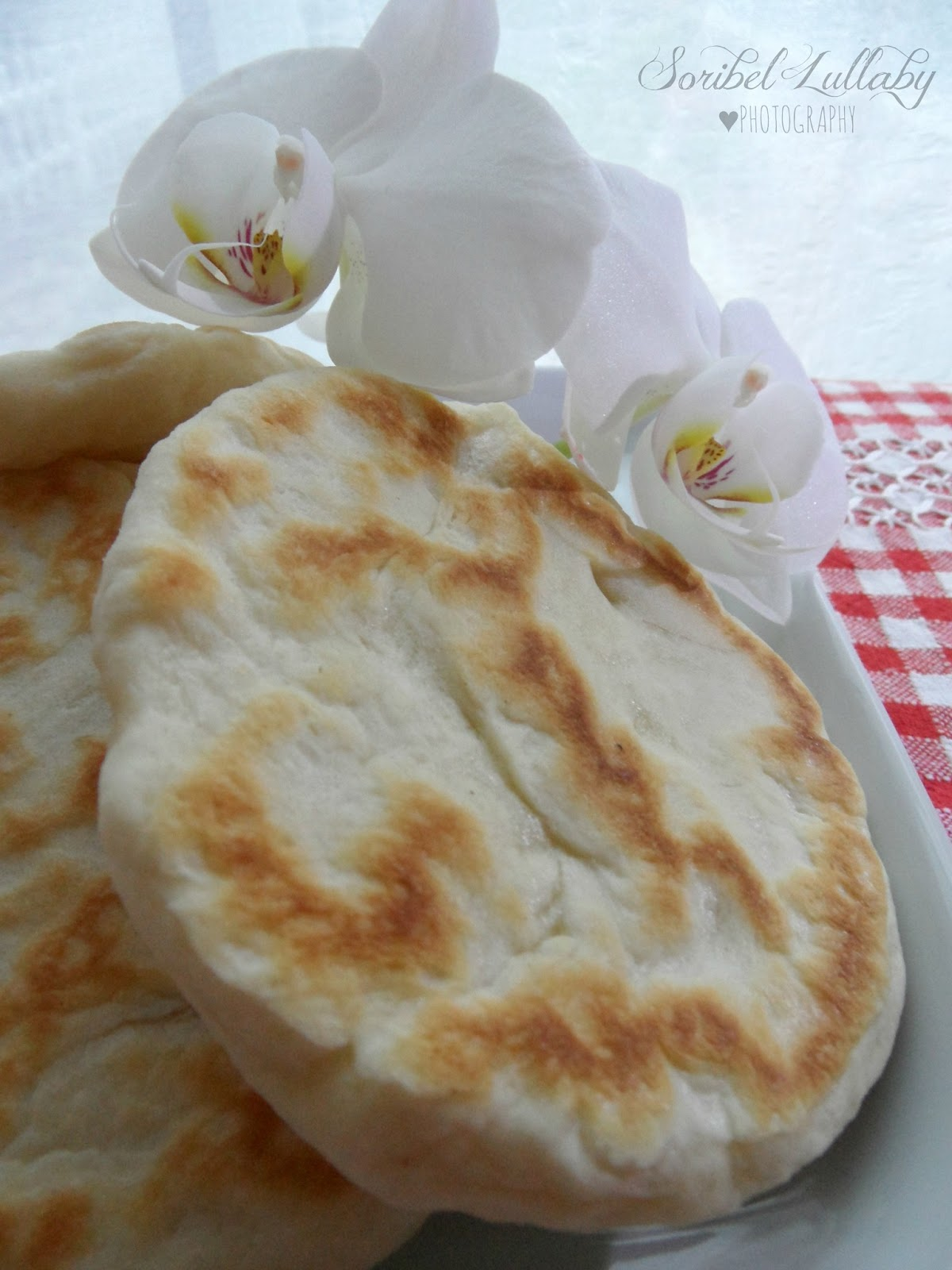 Focaccine in padella con philadelphia lullaby food props - Presa aria cucina ...