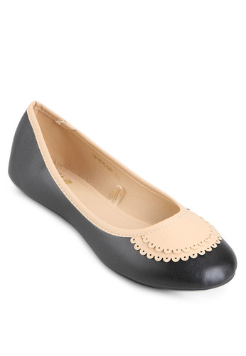 http://www.zalora.co.id/Nanny-Flat-Shoes-767914.html