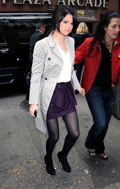 selena gomez fashion style 2011. Selena Gomez Fashion style
