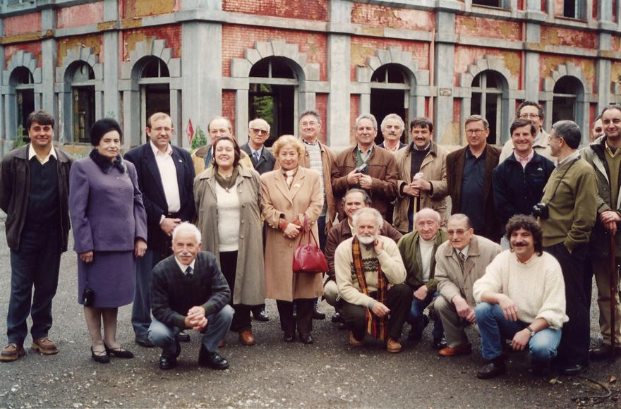 Primer Encuentro de Escritores de la Mina de GRUCOMI, ante el pozo Mosquitera