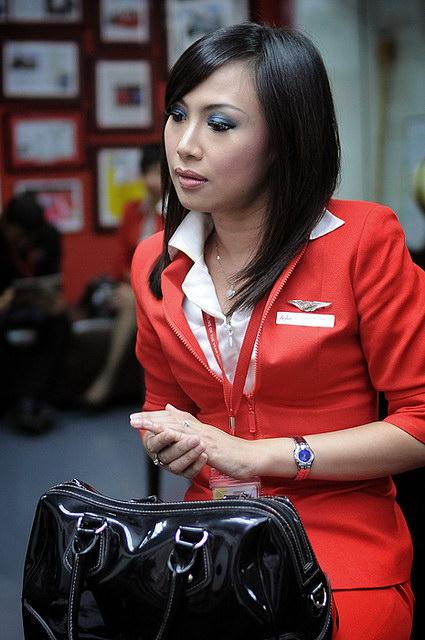 Foto Seksi Bening Pramugari Air Asia4