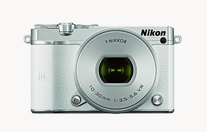 Nikon 1 J5 Mirrorless Camera w/ 10-30mm PD-ZOOM Lens