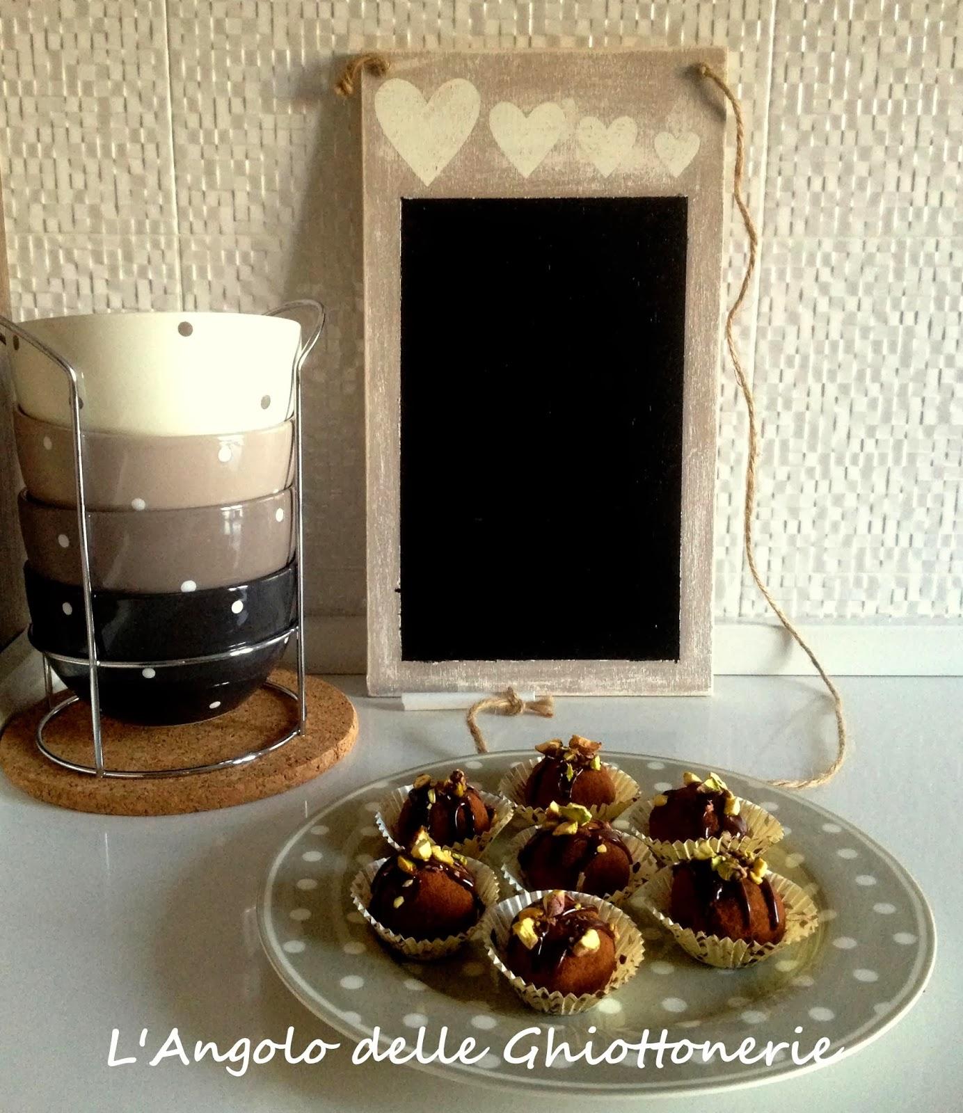 post-christmas truffles con scampoli di pandoro, limoncello e crème ganache al cioccolato