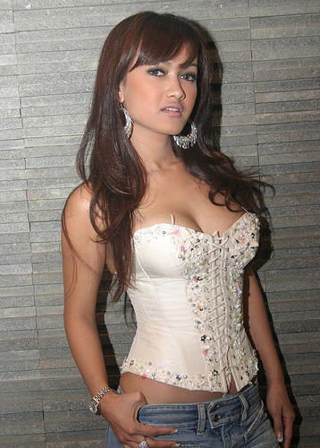 Crazy masala indonesian celeb actress super model julia perez 1
