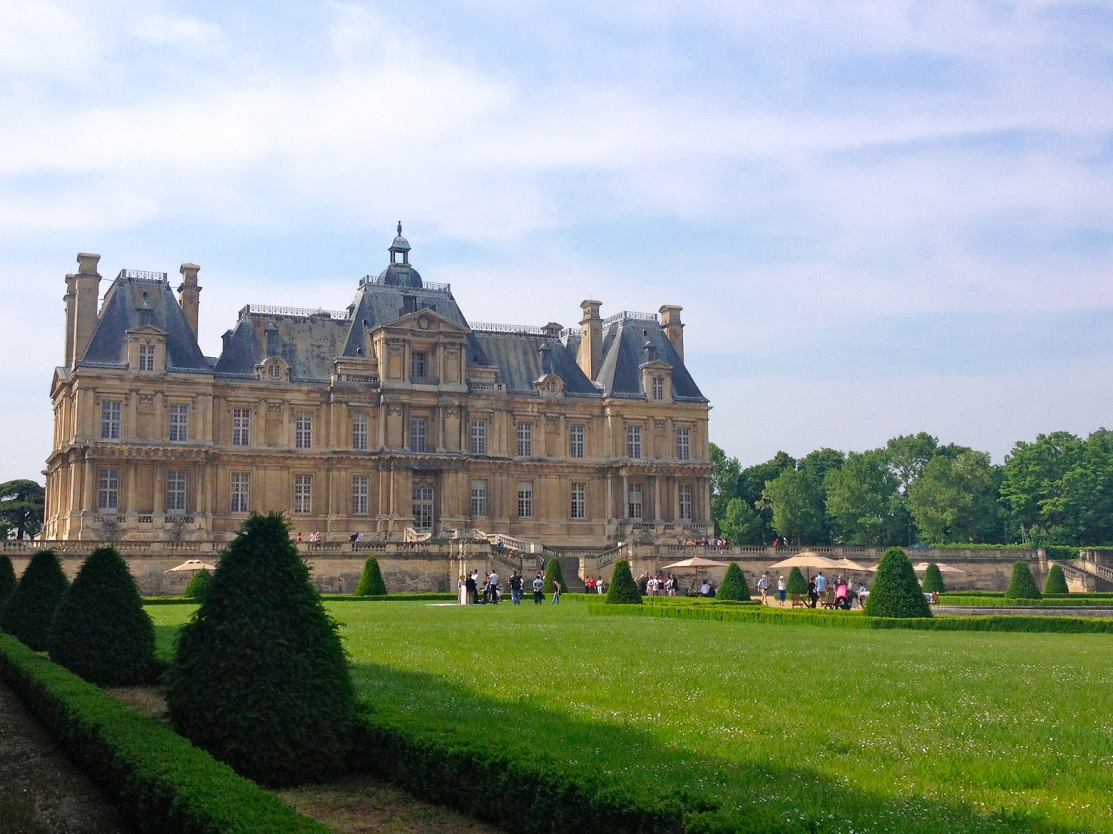 Danielle abroad parisian day trip maisons laffitte - Cosy maison laffitte ...