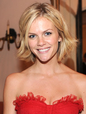 Brooklyn Decker Blonde Crop Hairstyle Pic