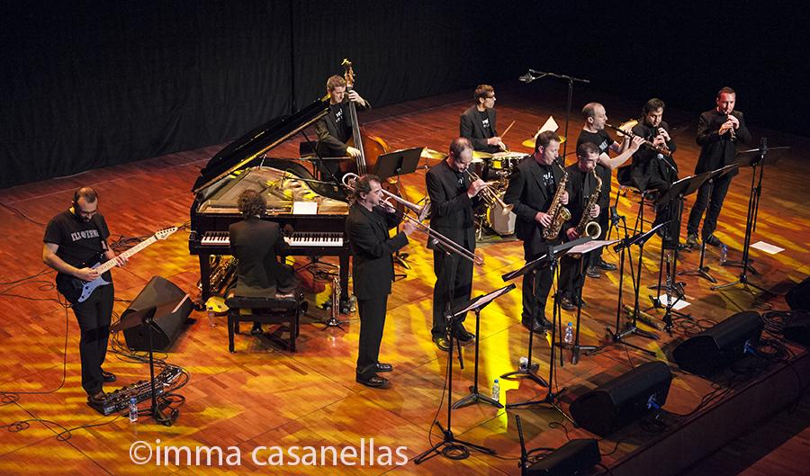 La Vella Dixieland i Els Vernets a l'inici de la seva actuació, Auditori de Vilafranca, 18-1-2015