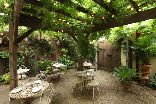 Wiiliamsburg Brooklyn Outdoor Dining   Maison Premiere