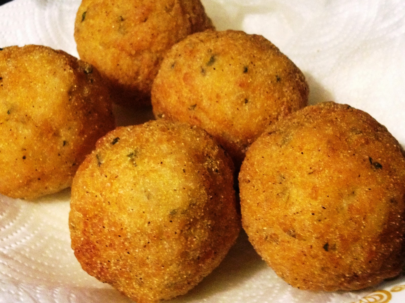 ... di Riso (Fried Italian Style Rice Balls Stuffed With Vegan Cheese