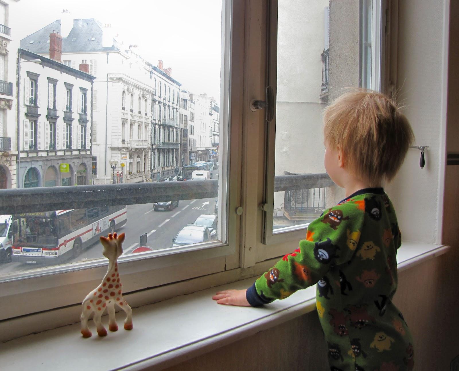 Femme au foyer sophie la girafe for Femme au foyer 1900