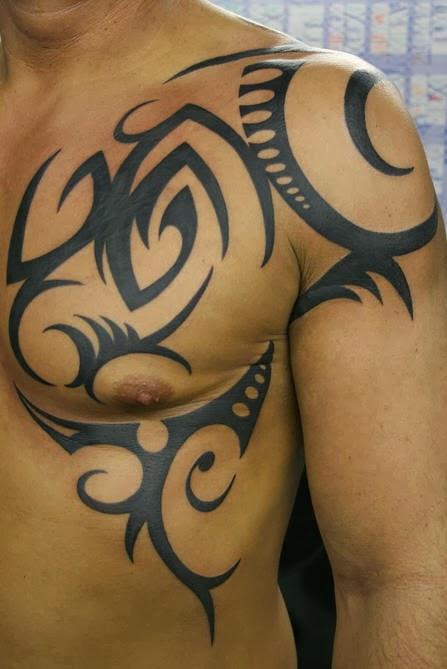 Shoulder blade tattoos for men tattoos art for Tribal shoulder blade tattoos