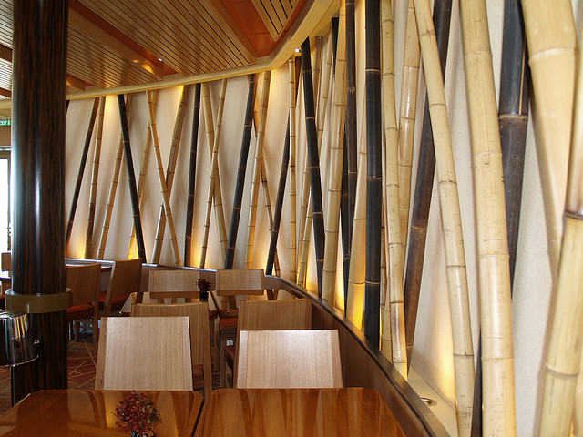 Asian modern restaurant with cross bamboo wall design - Bamboo bar design ideas ...