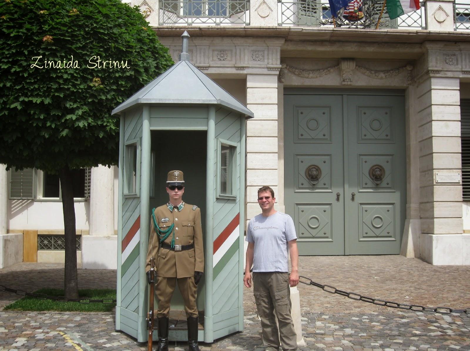 la-poarta-presedintelui-republicii-ungare