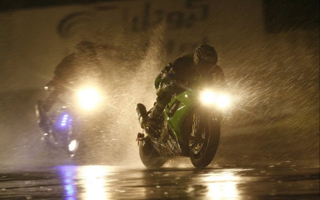 MOTORCYCLE RIDING IN THE RAIN | 15 Safety Tips for Motorcycle Riding in the Rain